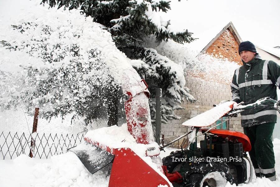 snijeg lika_drazenprsa