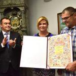 Predsjednica Republike dodijelila Povelju Republike Hrvatske Festivalu kajkavskih popevki